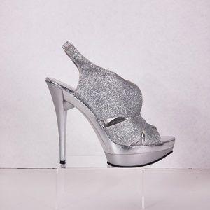 """Shoes - Love D 4"""" Heels Size 6.5"""